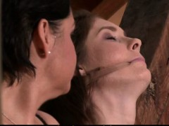 She gets her pussy licked and toyed