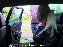 Amateur blonde babe stuffed with driver for a free ride