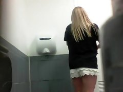 Beauty pisses in front of hidden camera