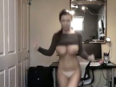 This babe knows what good boob dancing dance is really all about