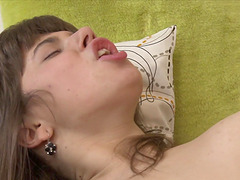 Babe's hairy vagina is all a guy wants to plow with his dong