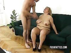 Hot Fat Horny Slut Freezes - Repairman Helps Her Get Warm!