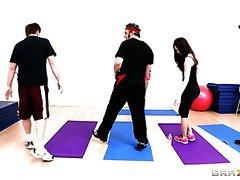 Nasty yoga instructor Jynx Maze seduces her handsome client