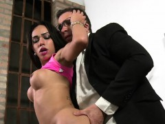 Busty tranny sucks cock to her doctor