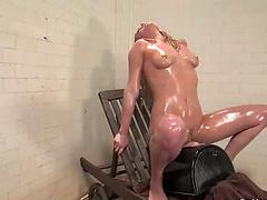 Gwen Diamond gets her coochie drilled by fucking machine in shower