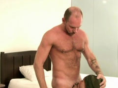 Hunk raw dogs and cums