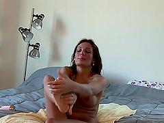Amateur brunette Katie fingers her pussy in homemade scene