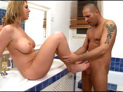 Hot tempered stud drills busty whore in the bath tub