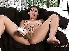 Milf cunt is so juicy as she plays with a vibrator