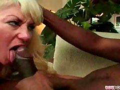 Mature women sucking cocks